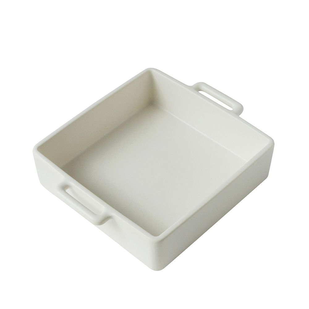 日本 Kamoshika 道具店 — 陶質調理盤(中,白)